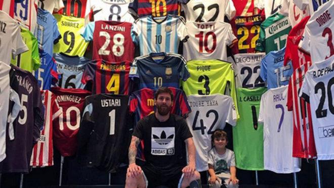 ¿Quienes son los jugadores de la colección de camisetas de Leonel Messi?